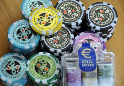 3-Unsung-Hero-Bonuses-in-Live-Online-Casinos-cash-and-chips