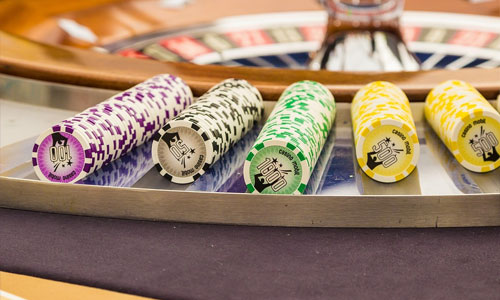 3 Unsung Hero Bonuses in Live Online Casinos colorful chips - 3 Unsung Hero Bonuses in Live Online Casinos